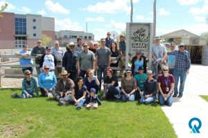 DEQ employees volunteer at the Unity Garden