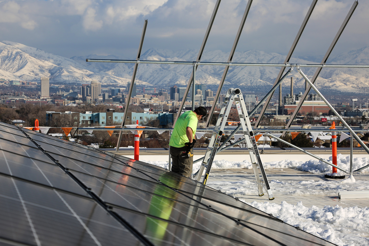 solar panels on top of Utah Department of Environmental Quality roof