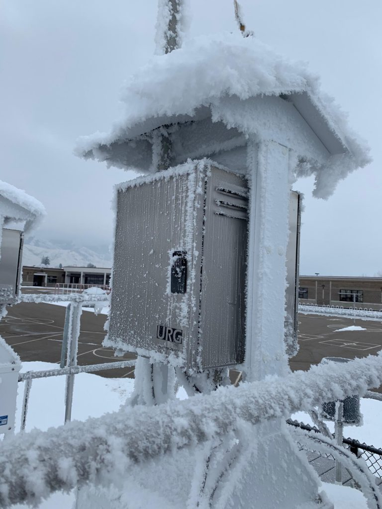 Image of the Smithfield Utah air monitoring station in winter.