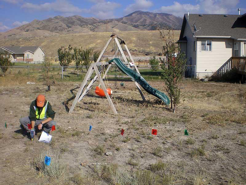 Residential sampling at the Jacobs Smelter site in 2010. Photo credit: U.S. Environmental Protection Agency.